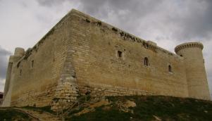 El Castillo de los Sarmiento custodia 2,5 kilómetros de documentación desde el siglo XVII